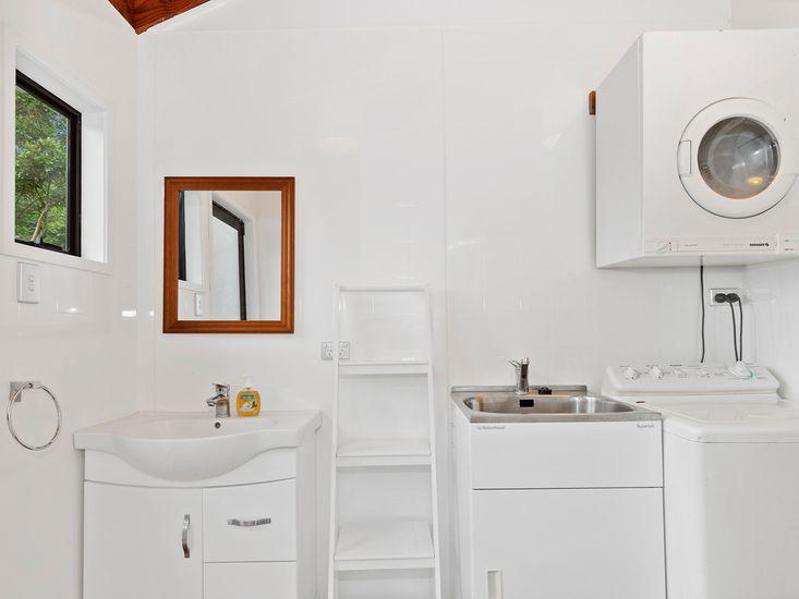 Bathroom 1 - Laundry