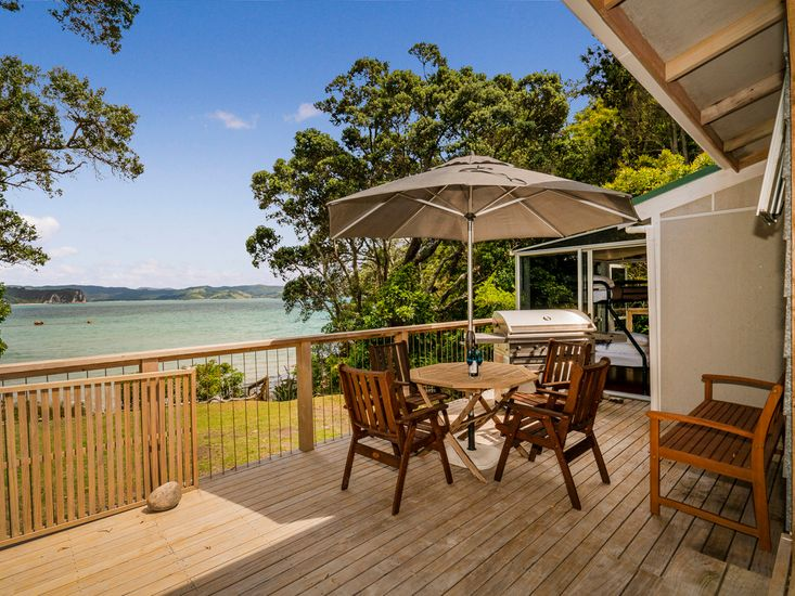 Waters Edge Cottage - Hahei Bach