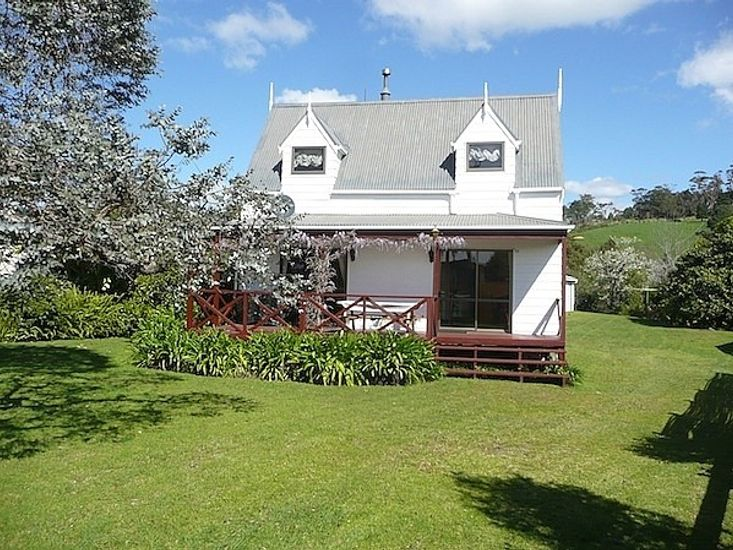 Cute Cottage - Cooks Beach Holiday Home