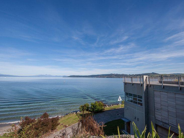 Access to Lake Taupo - 5 min walk