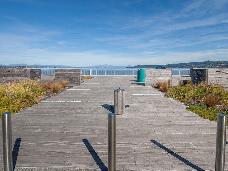 Lake Taupo Boardwalk