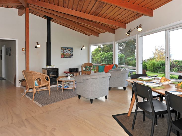 Dining Area + Lounge
