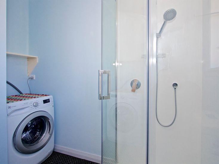 Bathroom 2 - Laundry