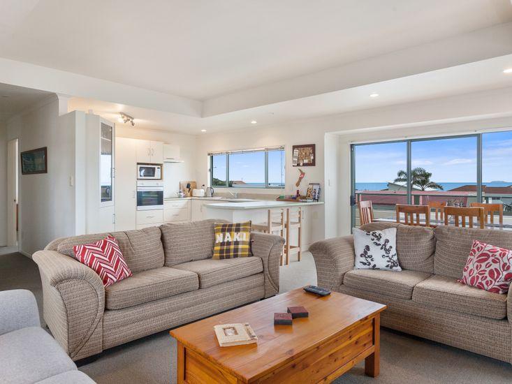White Island Views - Ohope Beach Holiday Home