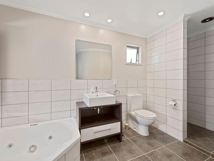Bathroom 1 / Ensuite to Bedroom 1