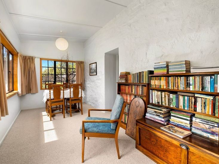 Sunroom / Second Dining Area