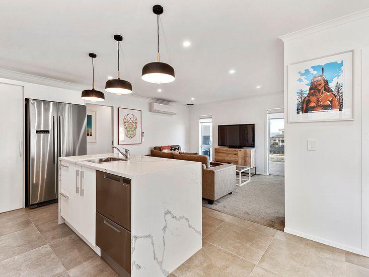 Kitchen onto Lounge