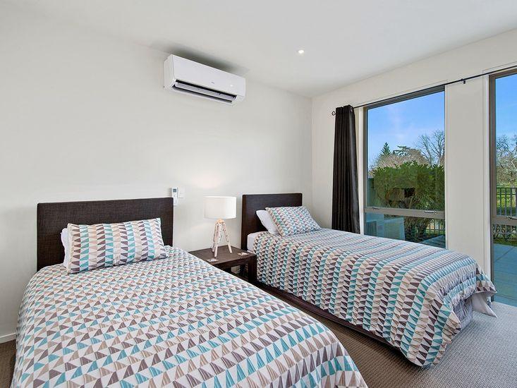 Courtyard Room - Bedroom 3