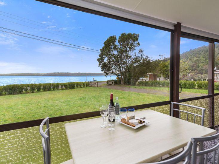 Dining with a view - Ruato Bay Rotoiti