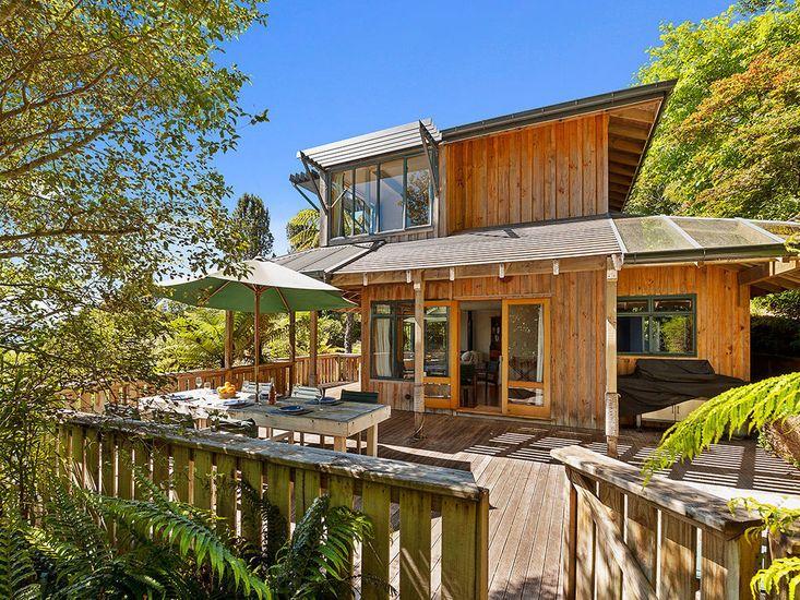 Moetu Lodge - Pukawa Bay Holiday Home