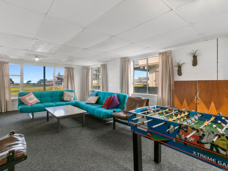 Second Lounge - Games Room