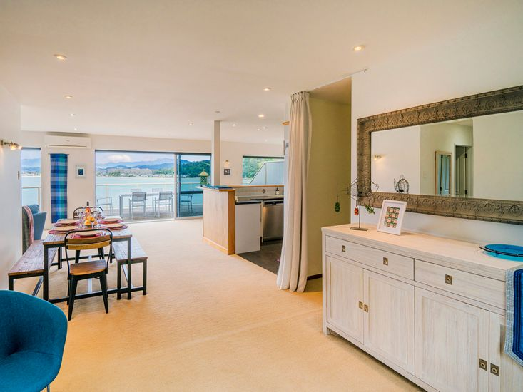 By The Sea @201 - Whitianga Holiday Home