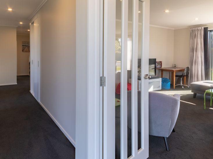 Hallway down to bedrooms
