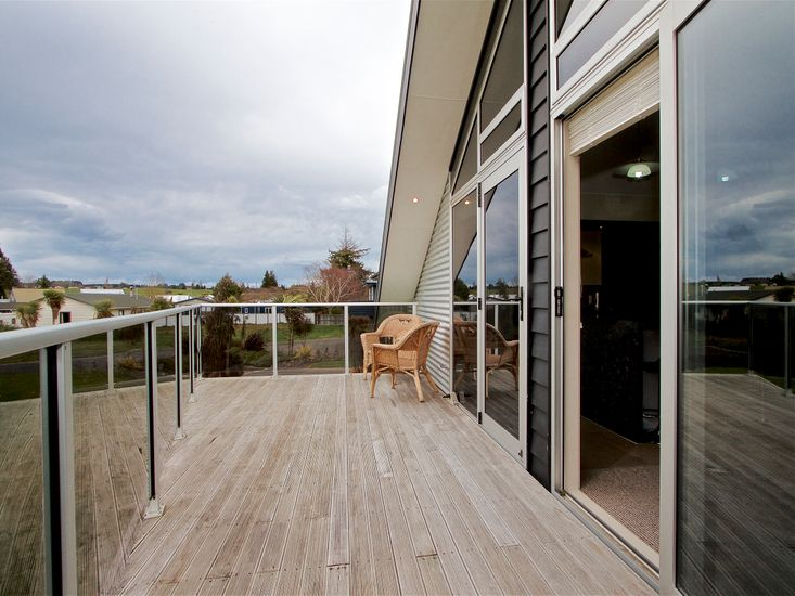 Deck - Accessed from Lounge