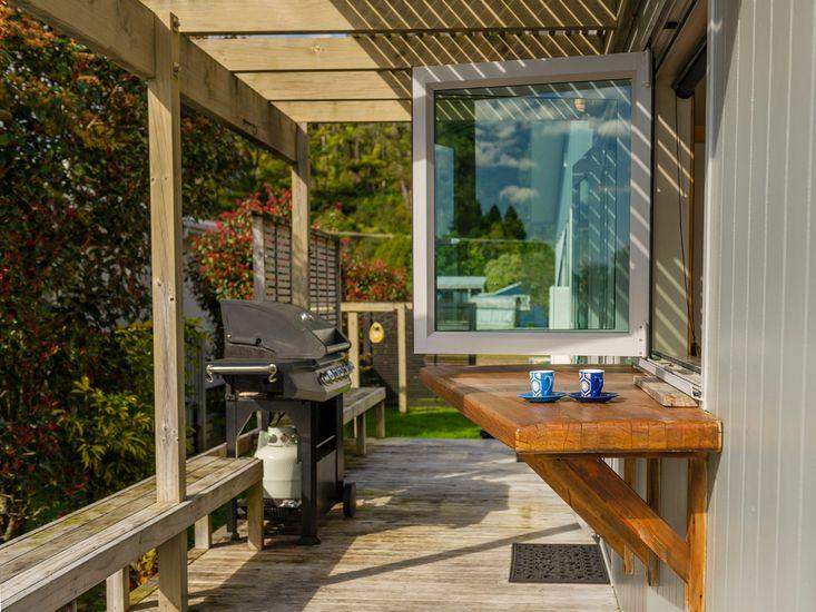 Kitchen Window - Sundeck