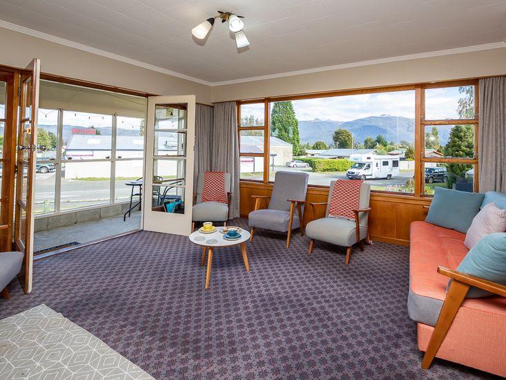 Grand View - Te Anau Holiday Home