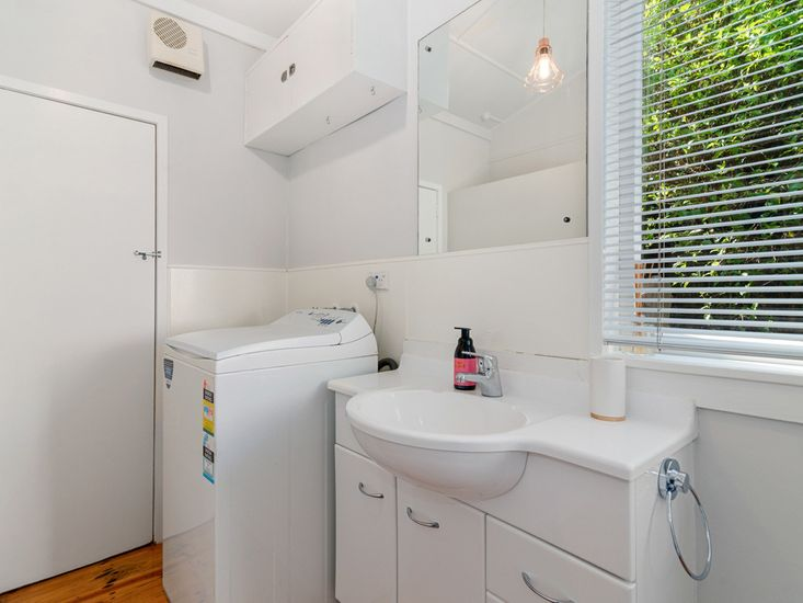Bathroom 1 . Laundry
