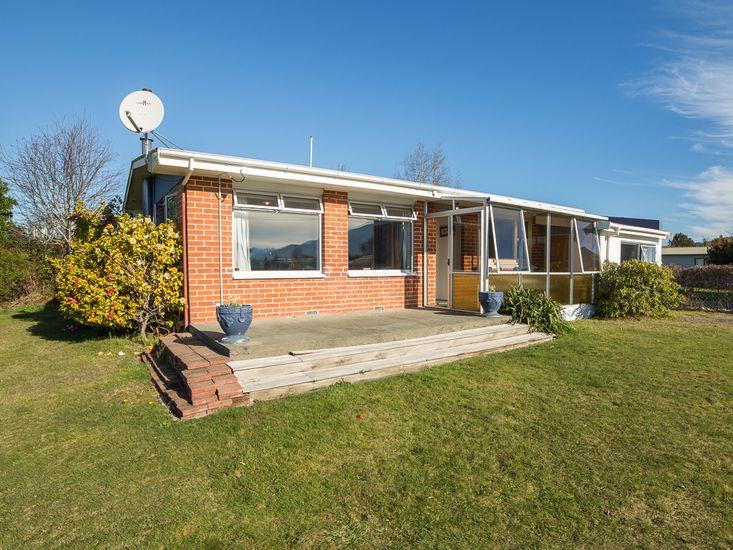 Southern Comfort - Te Anau Holiday Home