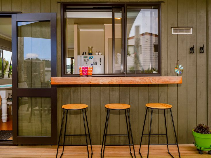 Bar leaner on the deck