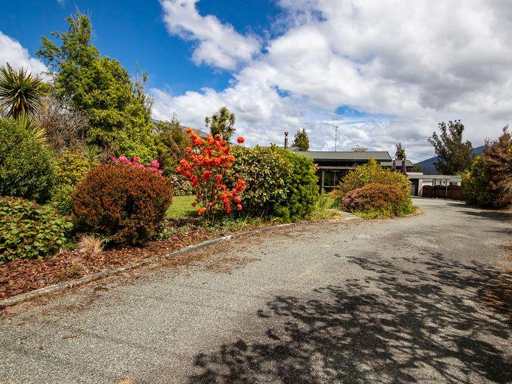 Garden & Driveway