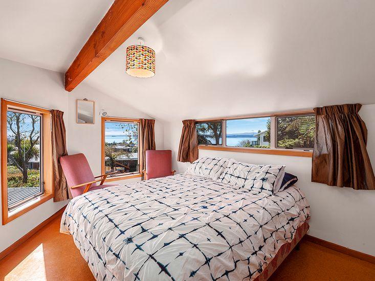 Bedroom 2 - Access to Bedroom 3