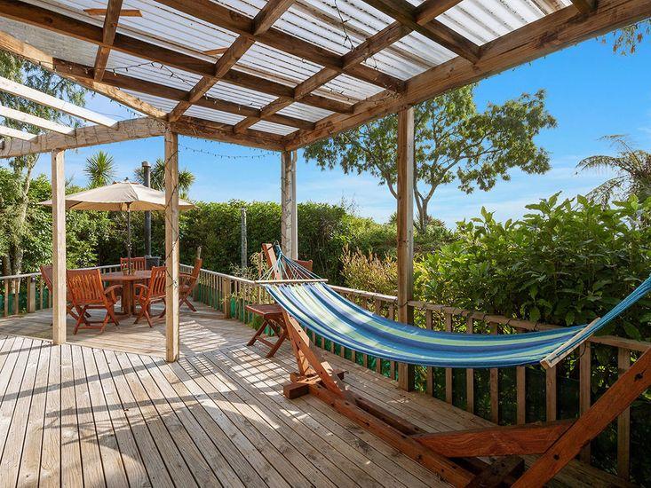 Kowhai Cottage - Omori Holiday Home