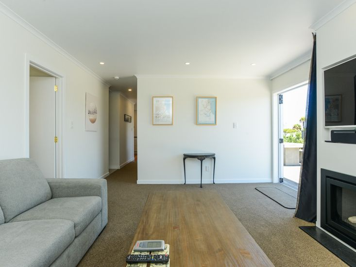 Lounge onto hallway and decking