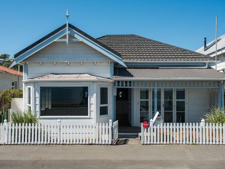 Ahuriri Cottage - Napier Holiday Home