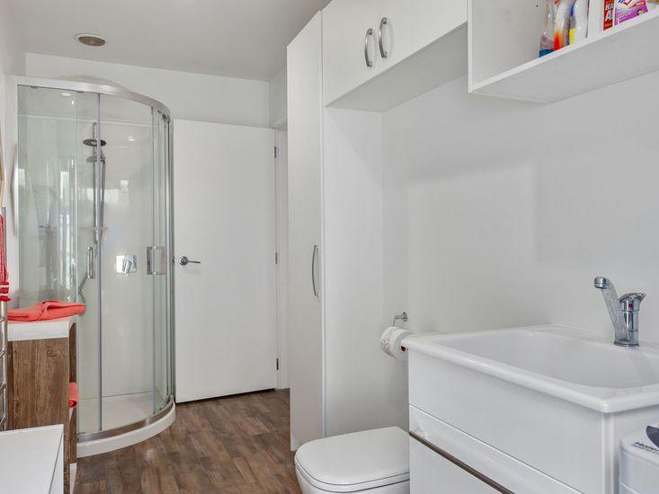 Studio Unit - Bathroom
