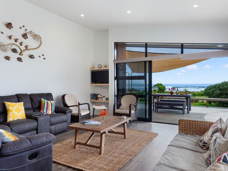 Indoor/Outdoor flow onto the decking for outdoor living and dining