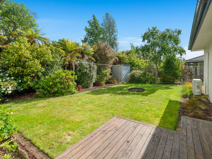 Garden and lawn space