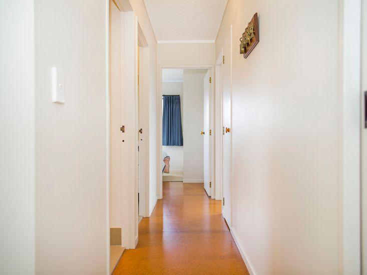 Bright hallway onto bedrooms