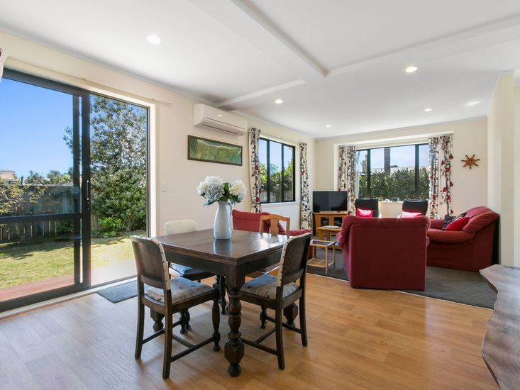 Dining table onto lounge space
