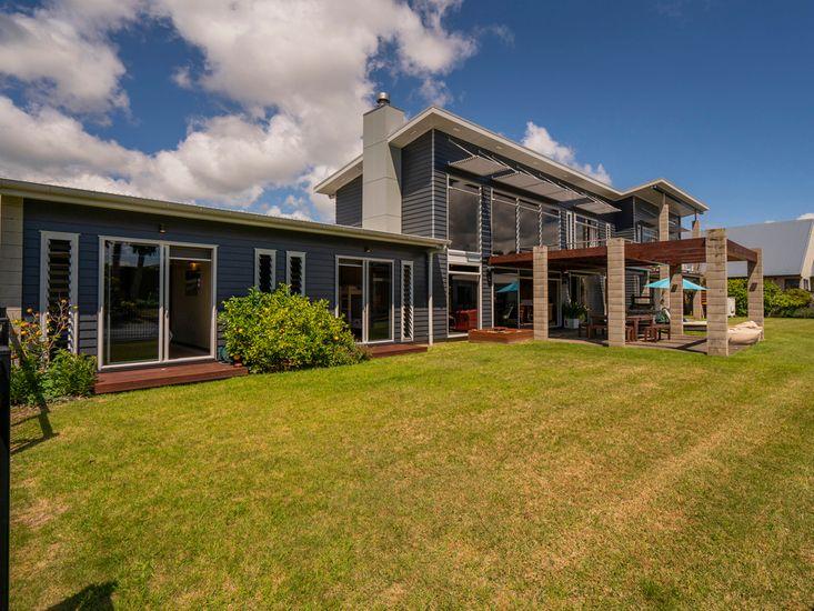 Mercury Bay Manor - Whitianga Designer Home