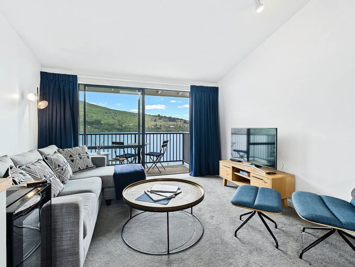 Stunning Lakefront Apartment