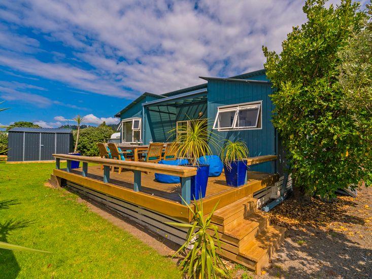 Bahama Blue - Matarangi Holiday Home
