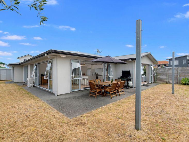 Generous flat lawn space