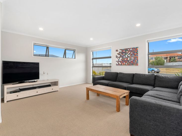 Second lounge/TV room