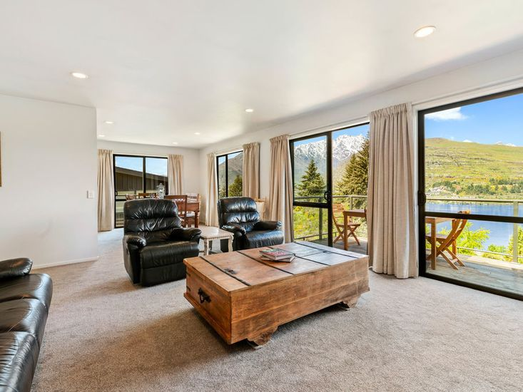 Gold Rush Vista - Queenstown Holiday Home