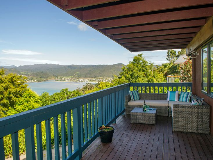 Comfortable outdoor living with stunning views