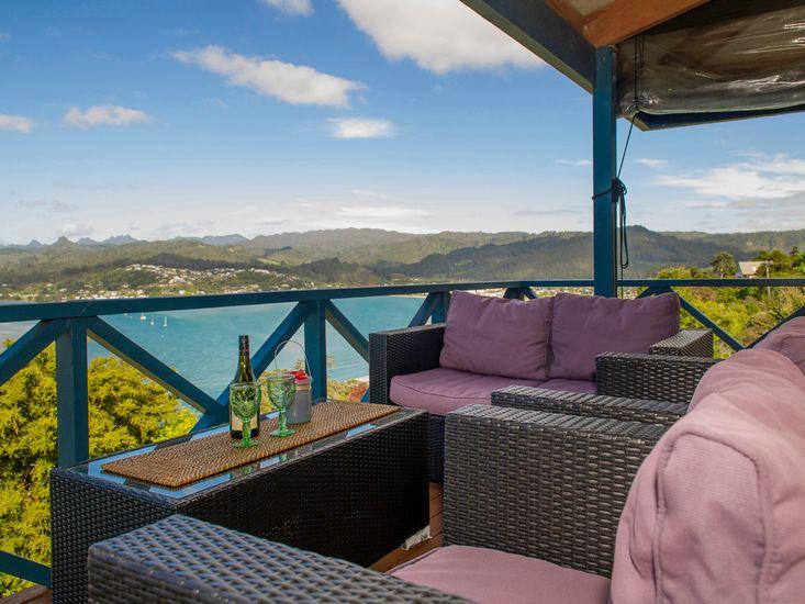 Paku Paradiso - Tairua Holiday Home - Outdoor Living