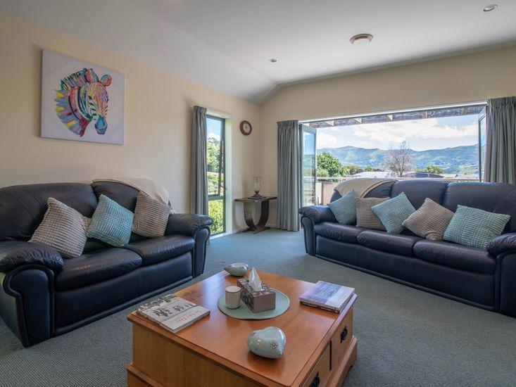 Lounge room onto decking