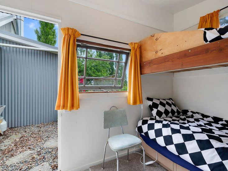Bunk bed sleepout