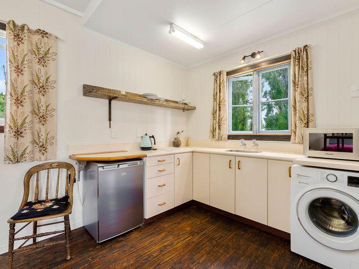 Gate House - Kitchenette and washing machine