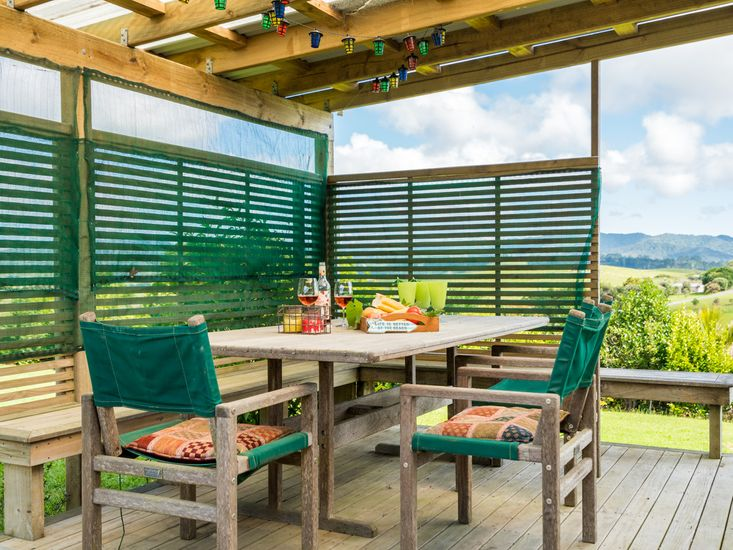 Outdoor Dining on the Covered Deck