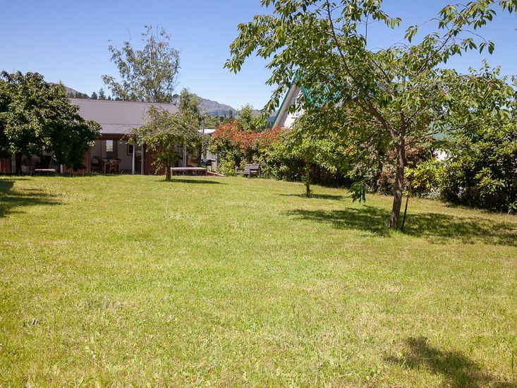 Large private garden and lawn