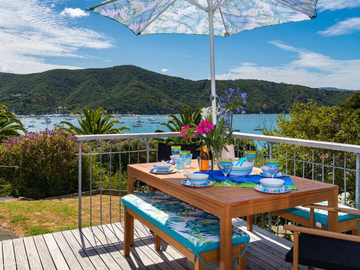 Tirohanga Wai (Water View) - Waikawa Holiday Home