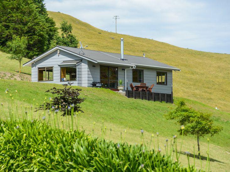 Tirohia Escape - Hawkes Bay Holiday Home