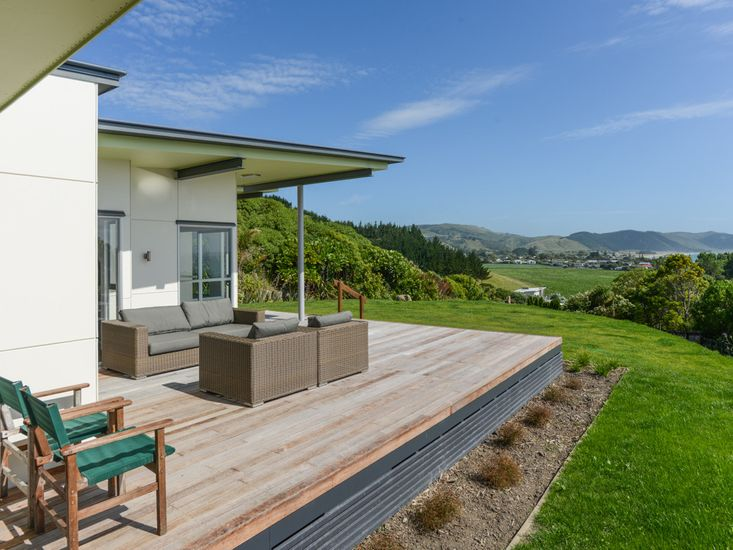 Sundeck to enjoy the views