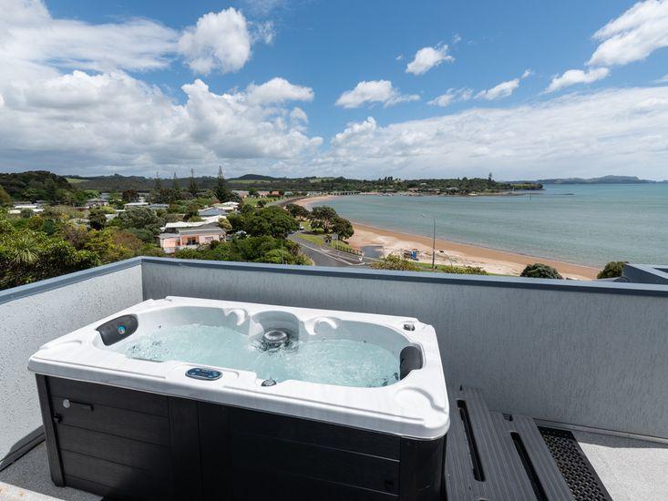 Spa Pool with Ocean Views